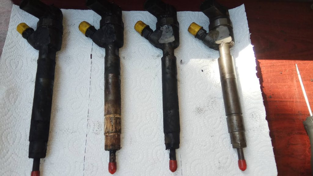 4 db mercedes vito injektor kiszerelve